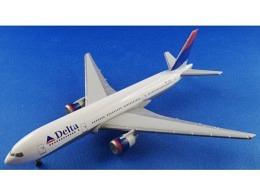 Boeing 777-200 Delta N863DA