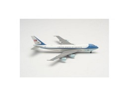 """VC-25A (Boeing 747-200) USAF """"Air Force One"""" 82-8000"""