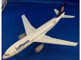 """A300-600 Lufthansa Express """"Berlin 2000"""" D-AIAT"""